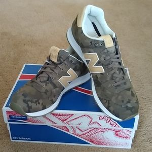 New Balance Sneaker US 17!